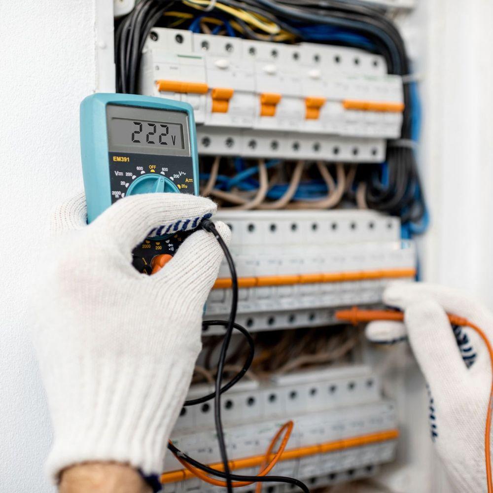 Técnico en Instalaciones Eléctricas y Automáticas